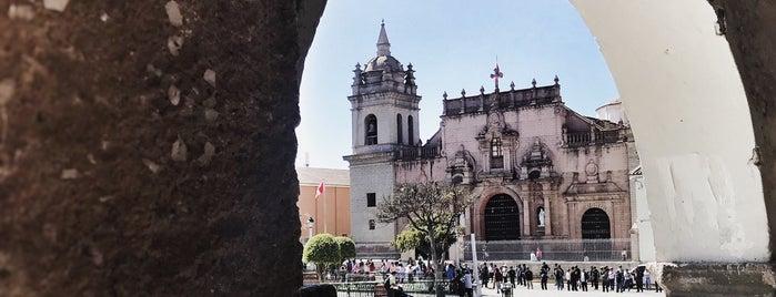 Plaza Mayor is one of สถานที่ที่ Paola ถูกใจ.