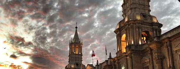 Basílica Catedral de Arequipa - Basilica Cathedral of Arequipa is one of Mymさんのお気に入りスポット.
