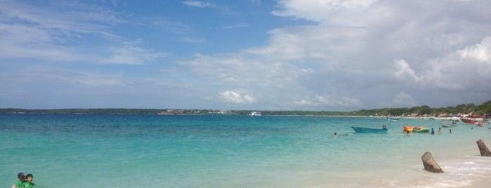 Playa Blanca is one of Cartagenias.