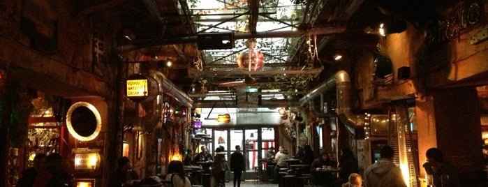 Szimpla Kert is one of Drinking.