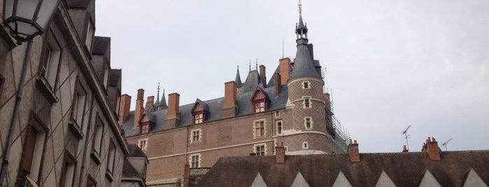 Château de Gien is one of Châteaux de la Loire.