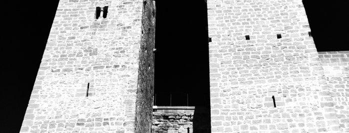 Castillo de Sádaba is one of Castillos de Aragon.