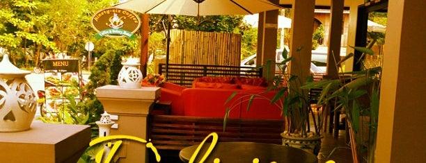 Luang Prabang Inn is one of Lugares favoritos de Katy.