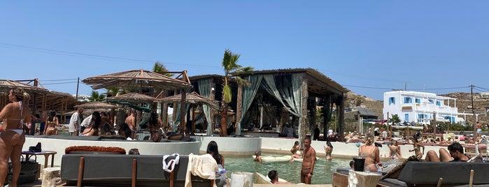 Santanna Beach Club & Restaurant is one of Myk 2K21 5days.