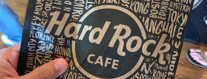 Hard Rock Cafe Orlando is one of Locais curtidos por Eric.