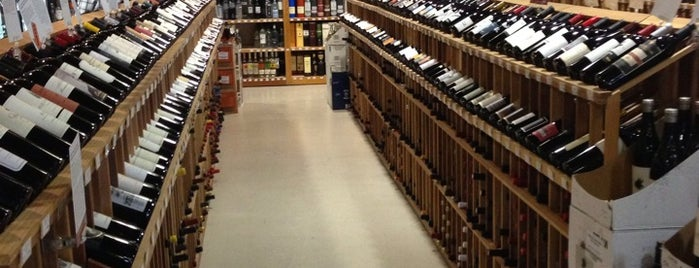 K&L Wine Merchants is one of Tempat yang Disukai Karl.