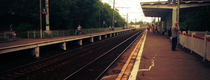 Ж/д платформа Трикотажная is one of Ilyaさんのお気に入りスポット.