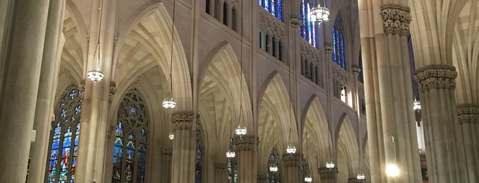 St. Patrick's Cathedral is one of สถานที่ที่ Suheyla ถูกใจ.