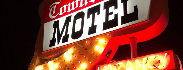 Town House Motel is one of Neon/Signs N. California 2.