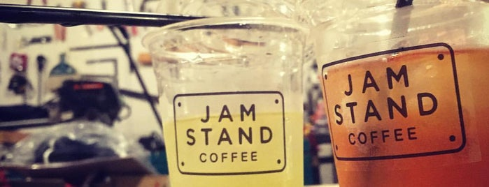 JAM STAND COFFEE is one of Lugares favoritos de Chris.