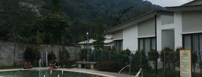 Suria Hotspring Resort Bentong is one of สถานที่ที่ Rahmat ถูกใจ.