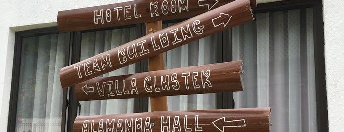 Suria Hotspring Resort Bentong is one of Rahmat'ın Beğendiği Mekanlar.