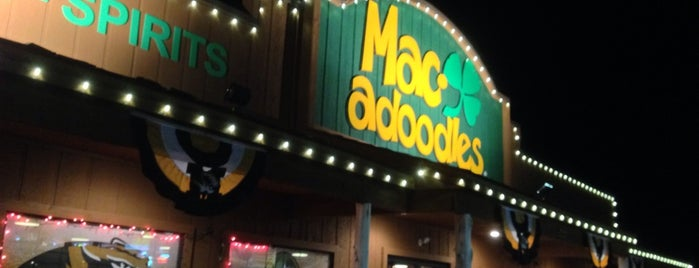 Macadoodles of Columbia is one of สถานที่ที่ Erica ถูกใจ.