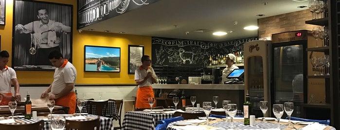 Pecorino Bar & Trattoria is one of Lugares favoritos de Amarildo.