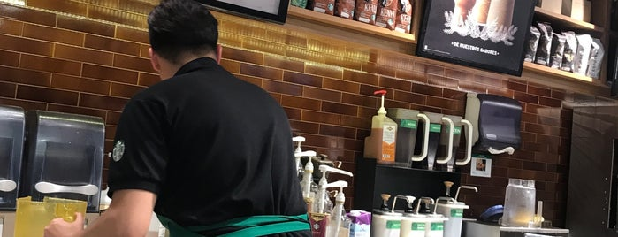 Starbucks is one of Lugares favoritos de DanGraHue_Pit.
