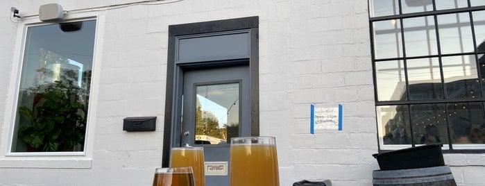 Ravenna Brewing Company is one of Orte, die Daniel gefallen.