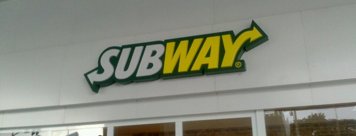 Subway is one of Lugares favoritos de Vanessa.