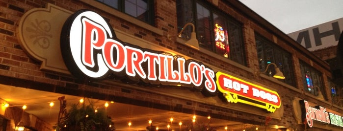 Portillo's is one of Traveling Chicago.