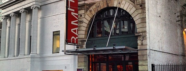 BAM Harvey Theater is one of Lugares favoritos de Erik.