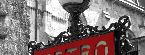 Métro Saint-Germain-des-Prés [4] is one of Went before.