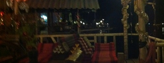 Moleys Bar&Restaurant is one of Posti che sono piaciuti a Ksana.