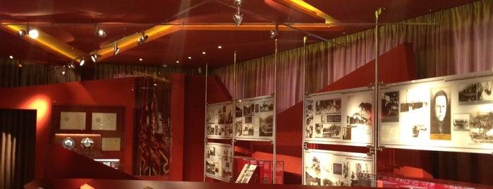 Музейно-выставочный центр АО «Апатит» is one of Orte, die Nadi gefallen.