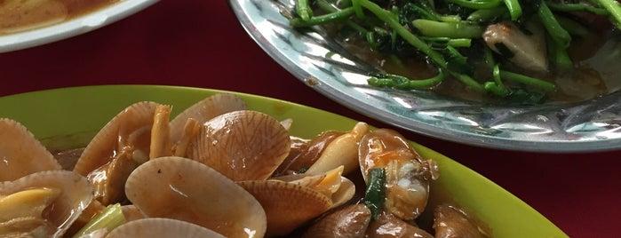 黄高記飯店 is one of Ipoh Foodhunt.