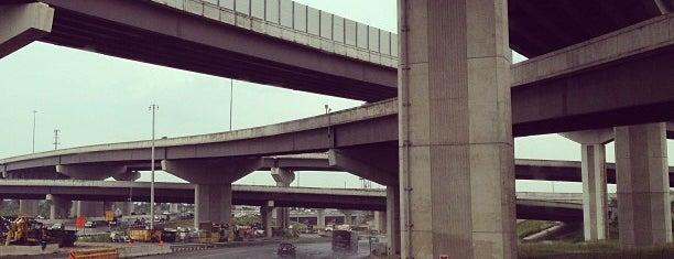 Springfield Interchange (I-95 / I-395 / I-495) is one of Katherine'nin Beğendiği Mekanlar.