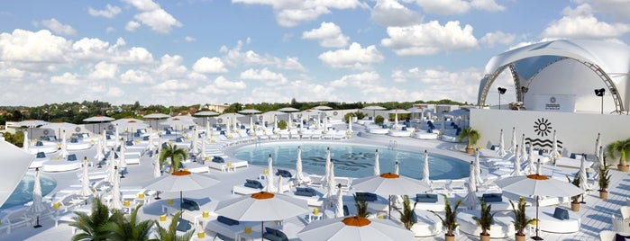 City Beach Club is one of Посетить))).