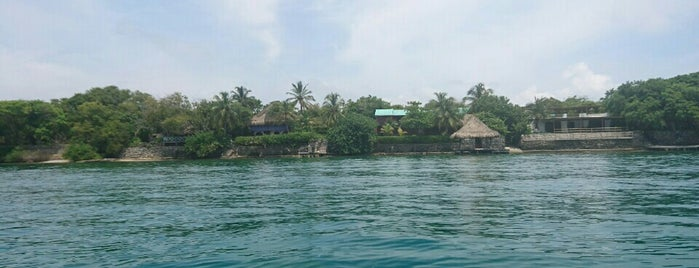 Isla Grande is one of Colombie.