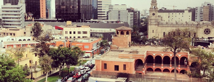 Plaza del Bosque Lima Hotel is one of Locais curtidos por Paola.