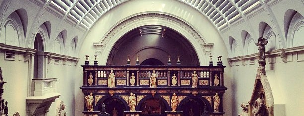 Victoria and Albert Museum (V&A) is one of Favs I'd travel for.
