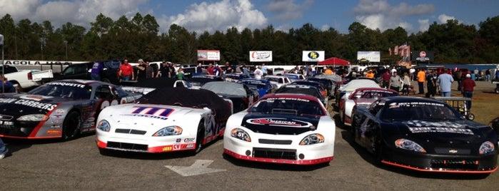 5 Flags Speedway is one of Lugares favoritos de Celeste.