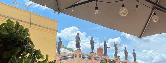 """Terraza """" La Erre"""" is one of Lugares favoritos de Zuno."""