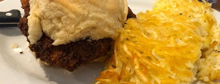 Shirley's Diner is one of Jen : понравившиеся места.