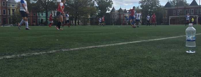 Tubman Elementary School Soccer Field is one of Jen 님이 좋아한 장소.