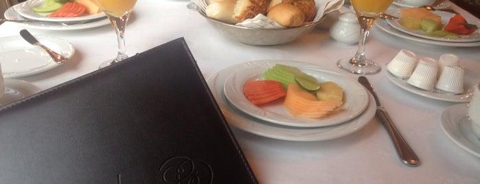 Restaurante Lepanto is one of Locais curtidos por Fabian.