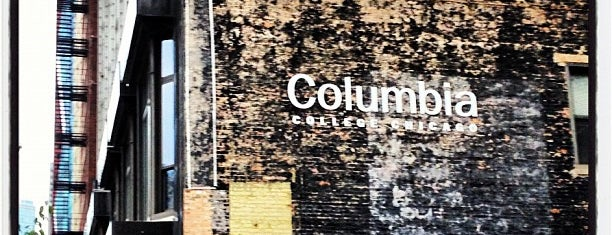 Columbia College Chicago is one of Lugares favoritos de Peggy.