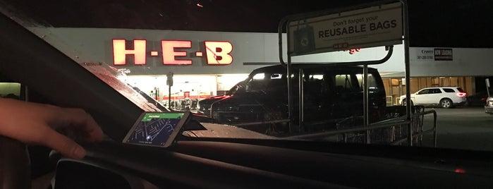 H-E-B is one of Orte, die J. gefallen.