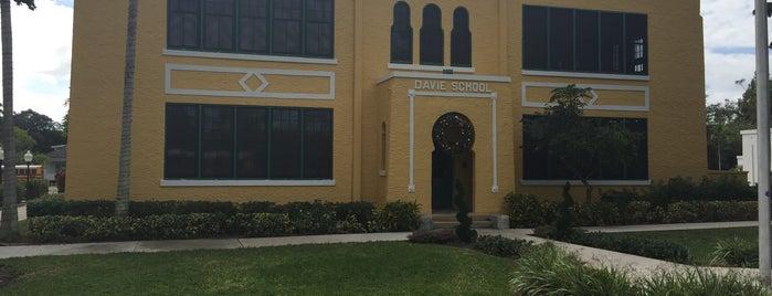 Old Davie School Historical Museum is one of Tempat yang Disukai Domma.