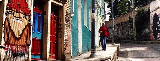 Cerro Alegre is one of Chile - A fazer.