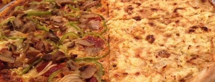 Napoli Pizzeria Ristorante is one of Top resto's in Morato, Timog area..
