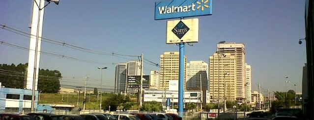 Walmart is one of Lugares favoritos de Sakai.