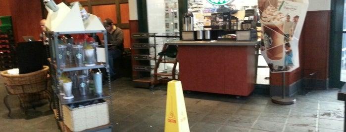 Starbucks is one of Lieux qui ont plu à Rachel.
