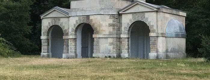 Queen Caroline's Temple is one of Orte, die Richard J B gefallen.