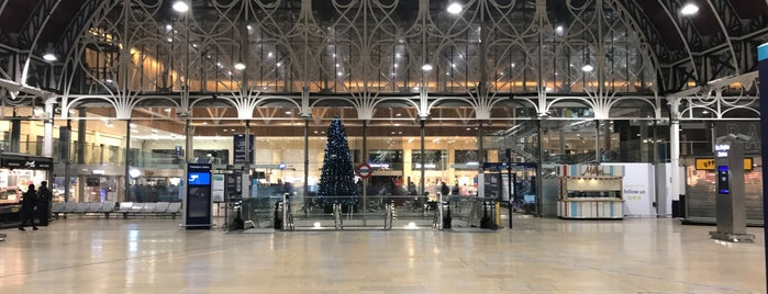 London Paddington Railway Station (PAD) is one of Paul'un Beğendiği Mekanlar.