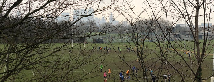 East London Rugby Football Club is one of Lieux qui ont plu à Paul.