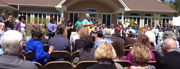 Woodstock Jewish Congregation is one of Locais curtidos por Barry.