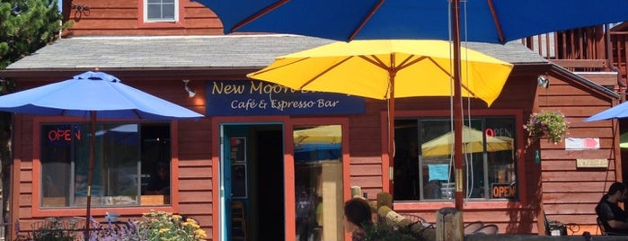 New Moon Bakery and Cafe is one of Lugares favoritos de Megan.