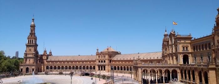 Plaza de España is one of สถานที่ที่ i.am. ถูกใจ.